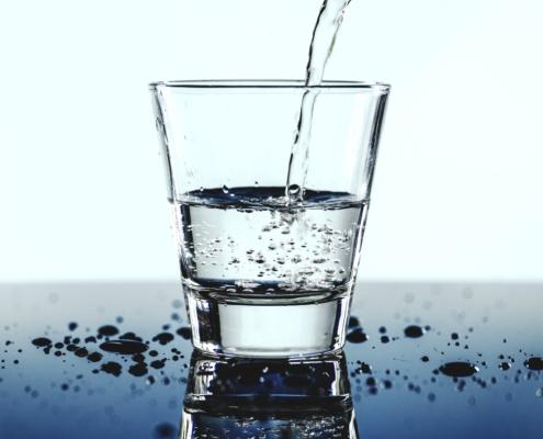 Kohlensaeure_Wasser_Leitungswasser_trinken_Getraenk_Wasserhaushalt